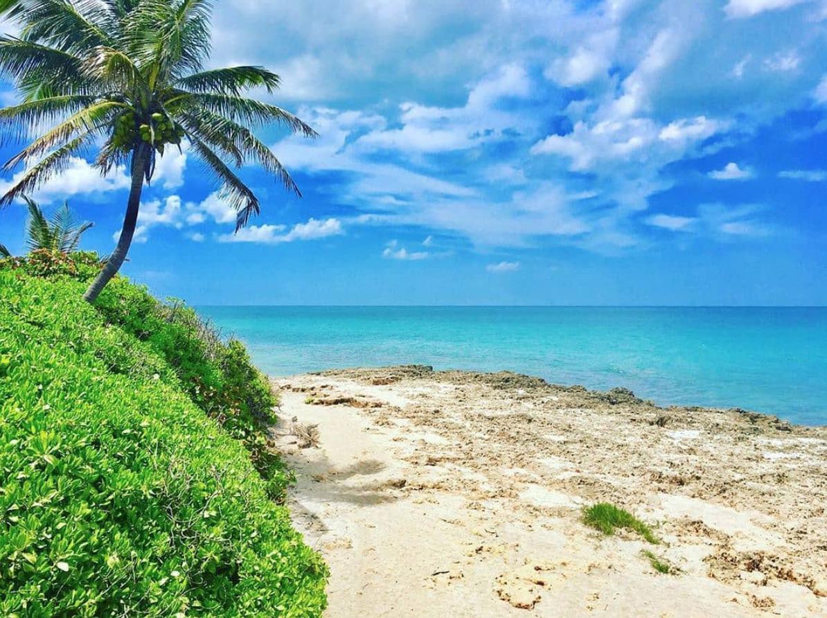 Bathtub Beach Image